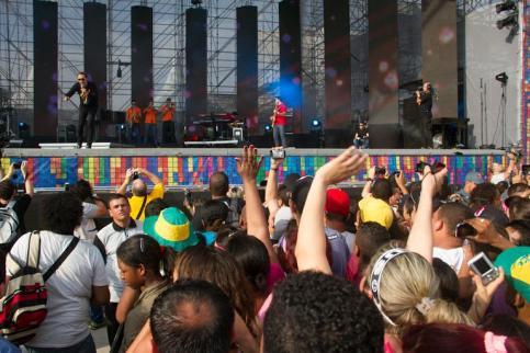 img-461088-andre-valadao-canta-no-festival-promessas